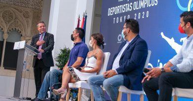 """GARCÍA-PAGE RECIBE A LOS OLÍMPICOS Y PARALÍMPICOS DE CASTILLA-LA MANCHA: """"SOIS ÉLITE"""" (FOTOS)"""
